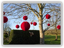 Red balls in tree at winter